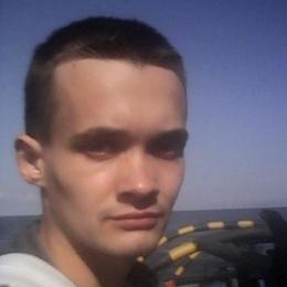 Симпатичный русский парень ищет женщину для реальной встречи