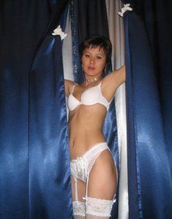 Девушка ищет мужчину для секс свидания в Казани