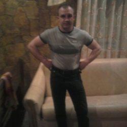 Семейная пара ищет девушку для страстного секса в Казани